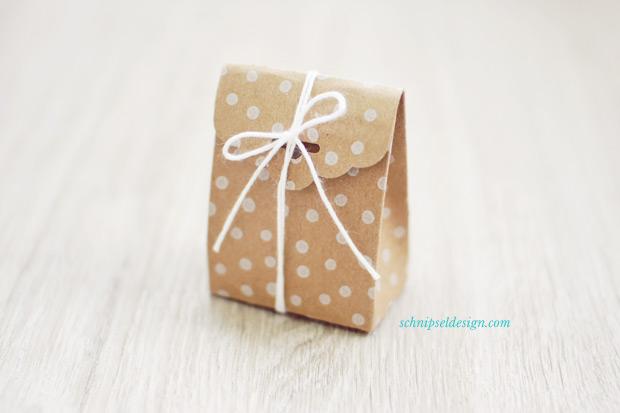Stampin-Up-Verpackung-Kartenset-Hip-Hip-Hurra-Stanze-Gewellter-Anhanger-Anleitung-schnipseldesign-1