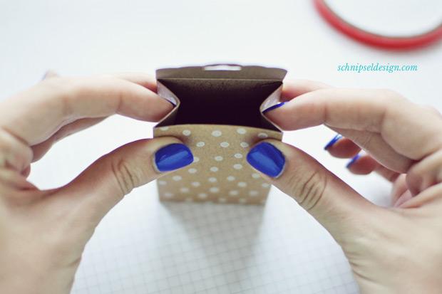 Stampin-Up-Verpackung-Kartenset-Hip-Hip-Hurra-Stanze-Gewellter-Anhanger-Anleitung-schnipseldesign-10