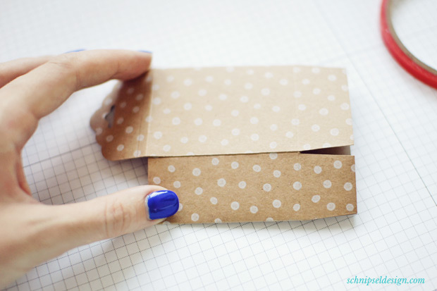 Stampin-Up-Verpackung-Kartenset-Hip-Hip-Hurra-Stanze-Gewellter-Anhanger-Anleitung-schnipseldesign-8