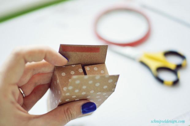 Stampin-Up-Verpackung-Kartenset-Hip-Hip-Hurra-Stanze-Gewellter-Anhanger-Anleitung-schnipseldesign-9