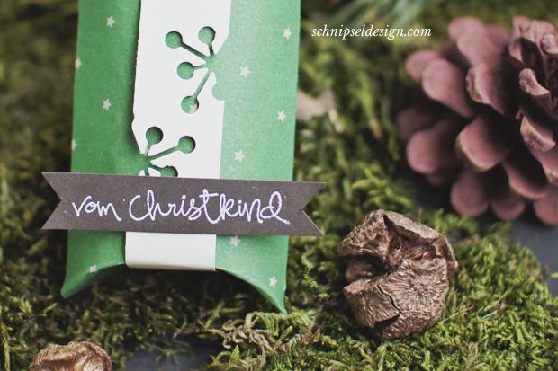 stampin-up-unterm-christbaum-pillow-box-vanille-pur-gesammelte-grusse-weihnachten-espresso-embossing-schnipseldesign-osterreich-3