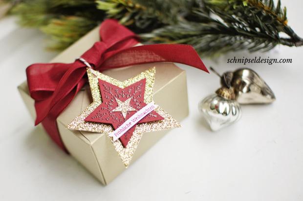 stampin-up-weihnacht-stanz-und-falzbrett-geschenkschachteln-mattgold-chili-many-merry-stars-glitzerpapier-schnipseldesign-1