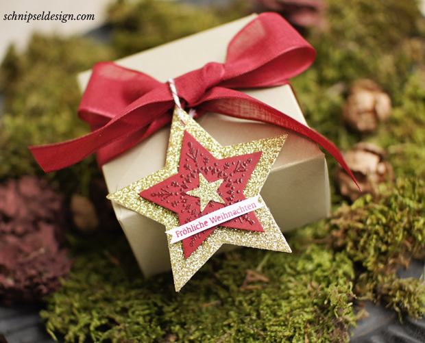 stampin-up-weihnacht-stanz-und-falzbrett-geschenkschachteln-mattgold-chili-many-merry-stars-glitzerpapier-schnipseldesign-2