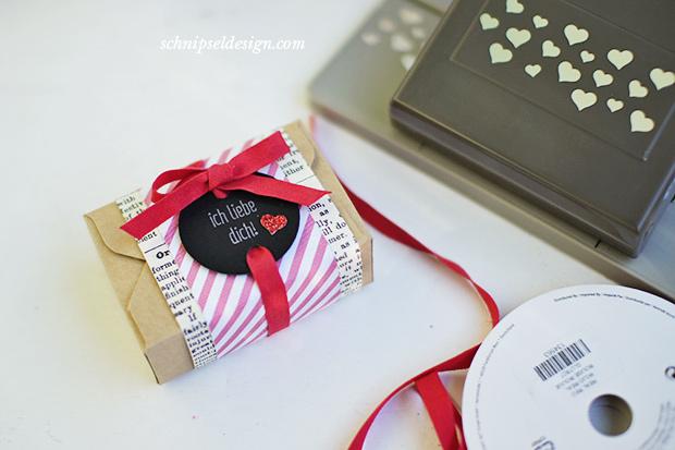 stampin-up-valentinstag-brownie-verpackung-erstausgabe-jede-menge-liebe-tafelpapier-spruch-reif-schnipseldesign-1