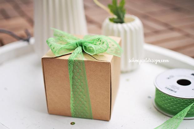 stampin-up-marmelade-verpacken-geschenkschachtel-grasgrun-punktchen-spitzenband-schnipseldesign-osterreich-1