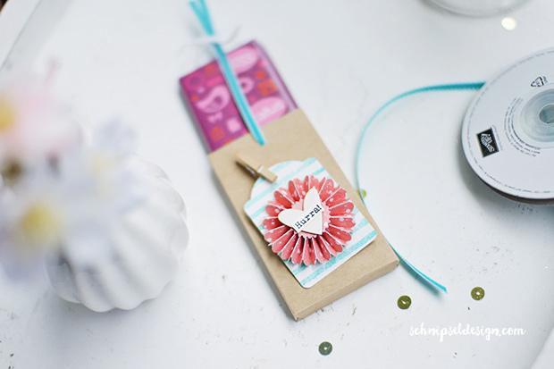 stampin-up-schokolade-ziehverpackung-etikettanhanger-painted-petals-bermudablau-schnipseldesign-osterreich-3